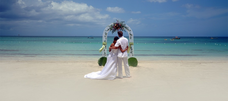 Host Your Beach Wedding At An All Inclusive Resort